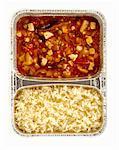 Huhn in Pfeffer und Gemüsesauce und Reis