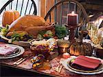 Dinde farcie sur table de Thanksgiving (USA)