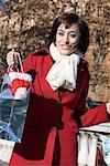 Porträt Frau Shopping Taschen, Rom, Italien