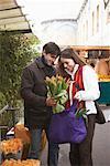 Couple au marché, Paris, France