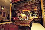 Chine, Shanghai, temple du Bouddha de Jade, autel