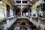 Cour intérieure du bâtiment de Run Down, la Havane, Cuba