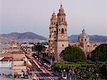 Avenida Madero et Cathédrale de Morelia, Morelia, Michoacan, Mexique