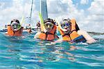 Famille, plongée en apnée par voilier, mer des Caraïbes