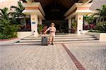Service bagages d'attente extérieur hôtel, Riviera Maya, Mexique