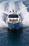 Yacht de luxe en mer