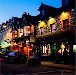 Killarney, comté de Kerry, Irlande ; Physionomie d'une ville la nuit