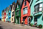 Cobh, comté de Cork, en Irlande ; Guidon vélo en montée de l'homme