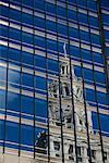 Tour de l'horloge dans Building, Chicago, Illinois, USA