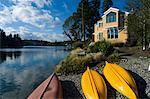 Canots sur le rivage, Bainbridge Island, Puget Sound, Washington, USA