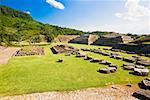 Vieilles ruines dans un paysage herbeux, El Tajin, Veracruz, Mexique