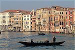 Italie, façades de bâtiments de Venise, Grand canal,