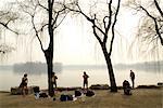 """China, Beijing, Summer Palace """"Yiheyan"""", tourists ready to plunge"""