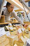 Épicier Jersey vitrine avec fromage