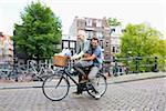Couple sur vélo