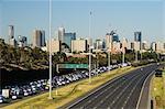 Ligne d'horizon et Eastern Freeway, Melbourne, Victoria, Australie