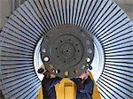 Ingénieurs travaillant sur la Turbine