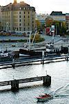 Bateau à moteur petite Suède, Stockholm, randonnée le long du secteur riverain