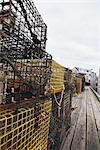 Casiers à homard sur le quai, Menemsha, Martha s Vineyard, Massachusetts, USA