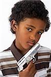 Garçon avec fusil