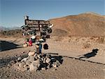 Une bouilloire Junction signe, Death Valley National Park, Californie, USA