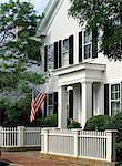 Maisons de planches à clin blanc traditionnel, Edgartown, Martha s Vineyard, Massachusetts, New England, États-Unis d'Amérique, Amérique du Nord