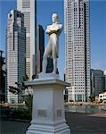 Statue of Stamford Raffles, Singapore, Southeast Asia, Asia