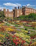 Teich Garten im Palace Gardens, Hampton Court, London, England, Großbritannien, Europa