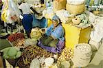 Vendeuse de légumes dans les îles de ville marché, Praia, île de Santiago, Cap-vert, Afrique