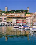 Le port et le front de mer, Cannes, Cote d'Azur, Alpes-Maritimes, Provence, France, Europe