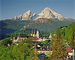 Ville et vue sur la montagne, Berchtesgaden, Bavière, Allemagne, Europe