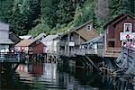 Vieux bâtiments sur pilotis le long de Ketchikan Creek, Ketchikan, Alaska du sud-est, États-Unis d'Amérique (États-Unis d'Amérique), Amérique du Nord