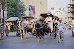 Street scene with horse drawn carriages, Rawalpindi, Punjab, Pakistan, Asia