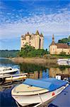 Chateau de Val auf dem Fluss Dordogne, Bort-Les-Orgues, Frankreich, Europa