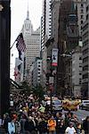 Foules de Fifth Avenue, Manhattan, New York City, New York, États-Unis d'Amérique, Amérique du Nord