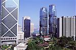 Bank of China, maison sur la gauche et les tours de Lippo à droite, Central, Hong Kong Island, Hong Kong, Chine, Asie