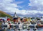 Den Hafen und Kai von Husavik, ein Fischerort, der auch beliebt für Freizeit und Tourismus inklusive Walbeobachtung, Husavik, Island