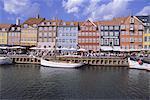 Nyhavn, ou nouveau port, zone restaurant achalandé, Copenhague, Danemark, Scandinavie, Europe