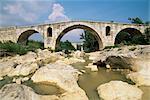 Pont Julien, pont romain datant du IIIe siècle av. J.-C., Apt, Vaucluse, Provence, France, Europe