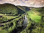 Rivière Aveyron près de Saint Antonin Noble Val, Midi Pyrénées, France, Europe