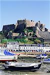 Château de Mont Orgueil et du port, Gorey, Grouville, Jersey, Channel Islands, Royaume-Uni, Europe