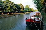 Les rives du canal, Canal du Midi, Wiorld patrimoine UNESCO, dans la région de Preissan, Languedoc Roussillon, France, Europe