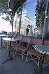 Chaises et tables à café, Paris, France, Europe