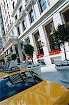 Taxi taxi jaune à la Plaza sur Central Park, New York City, New York, États-Unis d'Amérique, l'Amérique du Nord