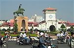 Statue de Han Nguyen Tran, marché public de la ville de Ben Thank, Ho Chi Minh ville (Saigon), Viêt Nam, Asie du sud-est, Asie
