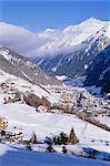 Vallée au-dessus la ville de Sölden, dans les Alpes autrichiennes, la Tirol (Tyrol), l'Autriche, l'Europe