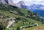 Östliche Straße unterhalb von Grödner Joch, 2121m, Dolomiten, Südtirol, Italien, Europa