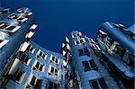 Le Neuer Zollhof bâtiment de Frank Gehry, au Medienhafen, Düsseldorf, Nord-Rhénanie-Westphalie, Allemagne, Europe
