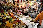 Boutique d'épices au marché aux épices, Istanbul, Turquie, Europe