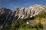 Vue sur la chaîne de montagnes de Hoher Goll Rossfeld Panoramastrasse (Rossfeldhoehenringstrasse ou route panoramique), Berchtesgaden, Bavière, Allemagne, Europe